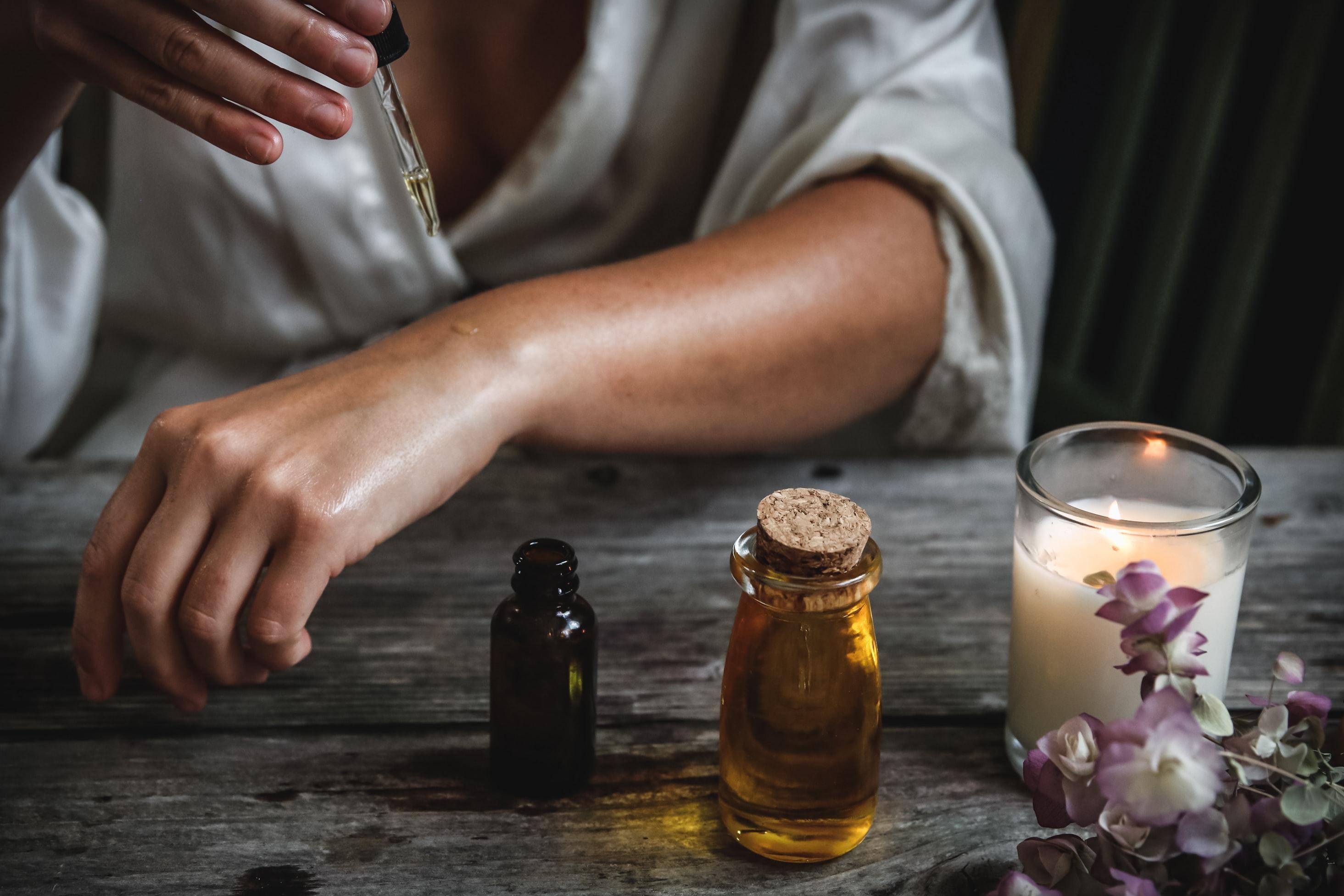 6 ESSENTIAL OILS FOR SEX: LOW LIBIDO & ERECTILE DYSFUNCTION REMEDIES