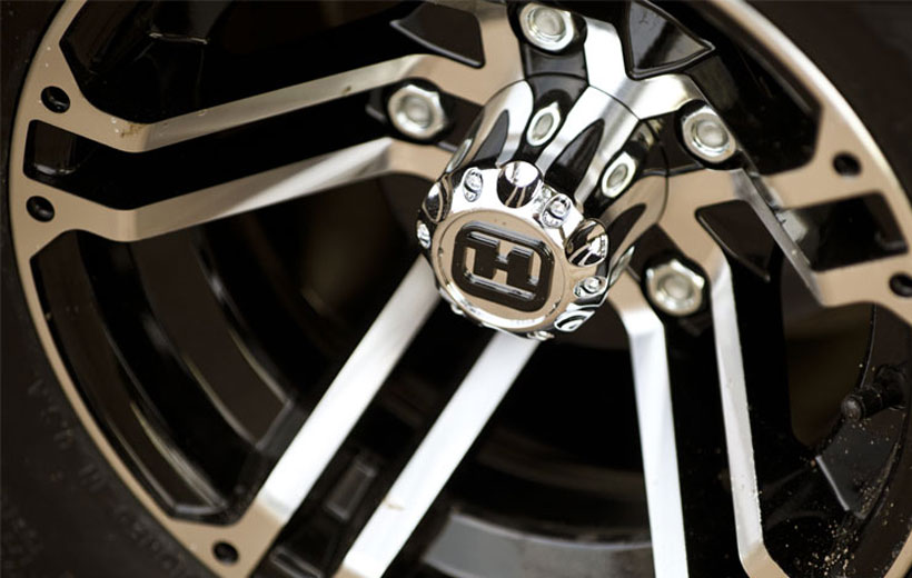 Image of the aluminum wheel up close.