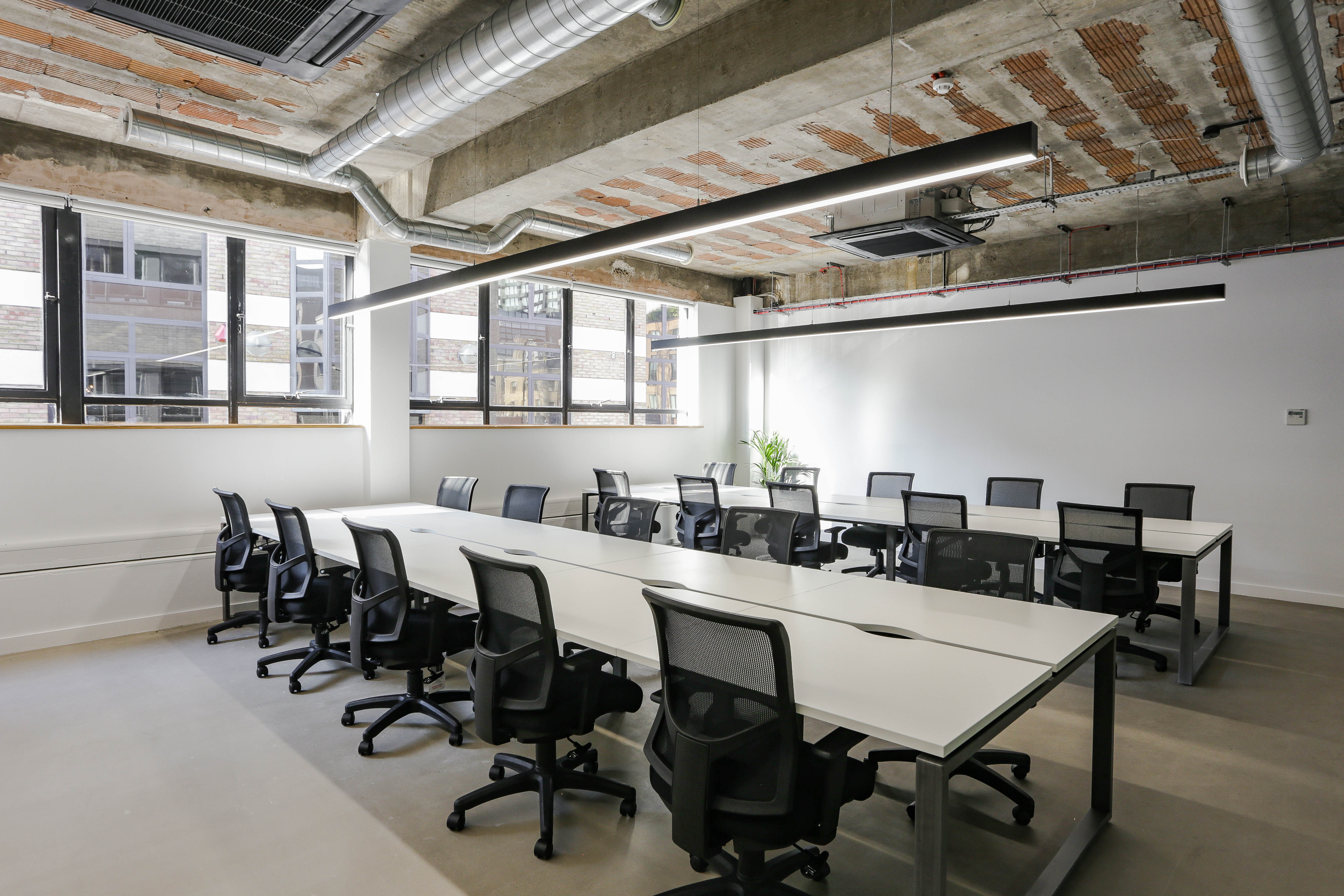 Shoreditch Private Office 20 person workspace