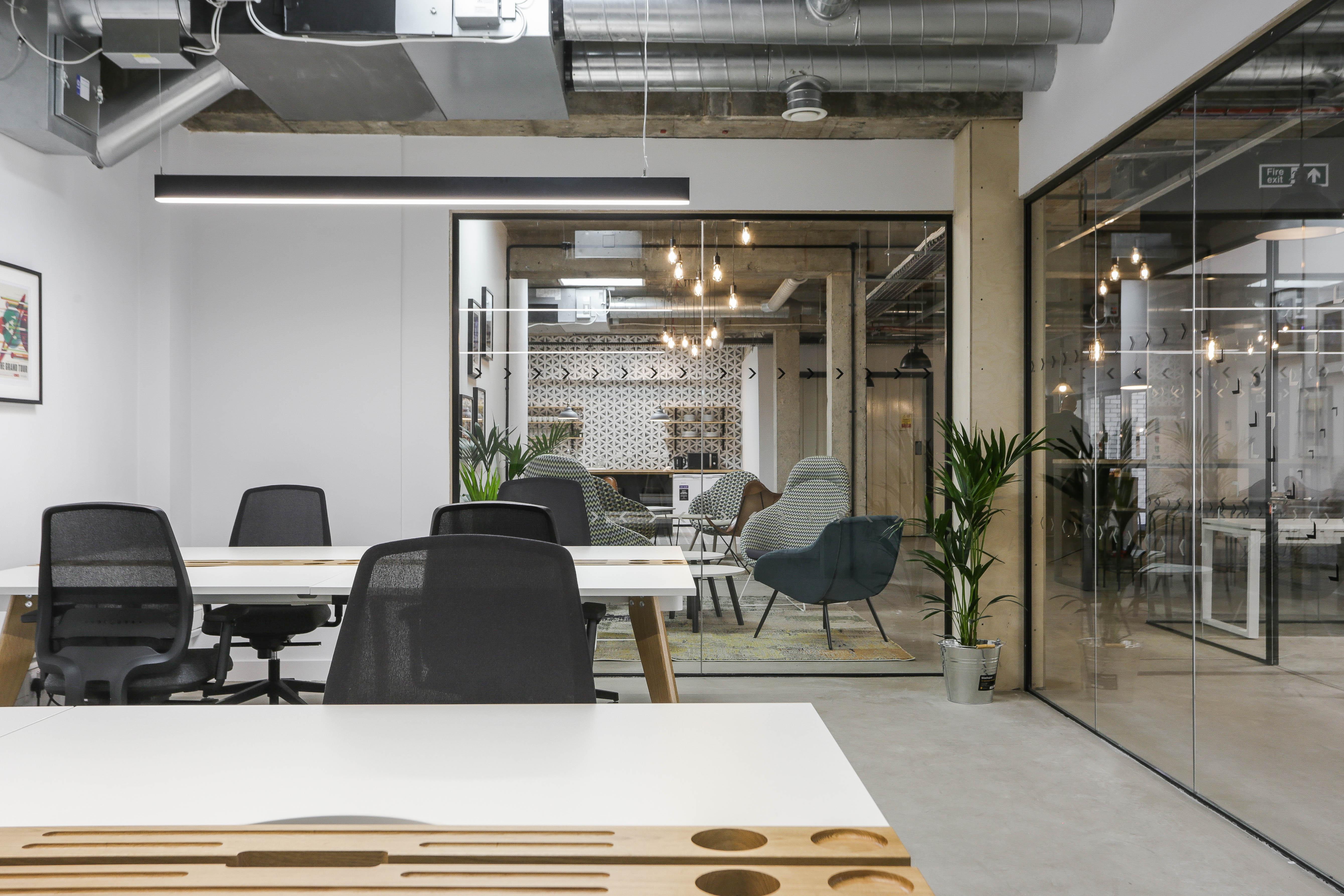 10 person workspace