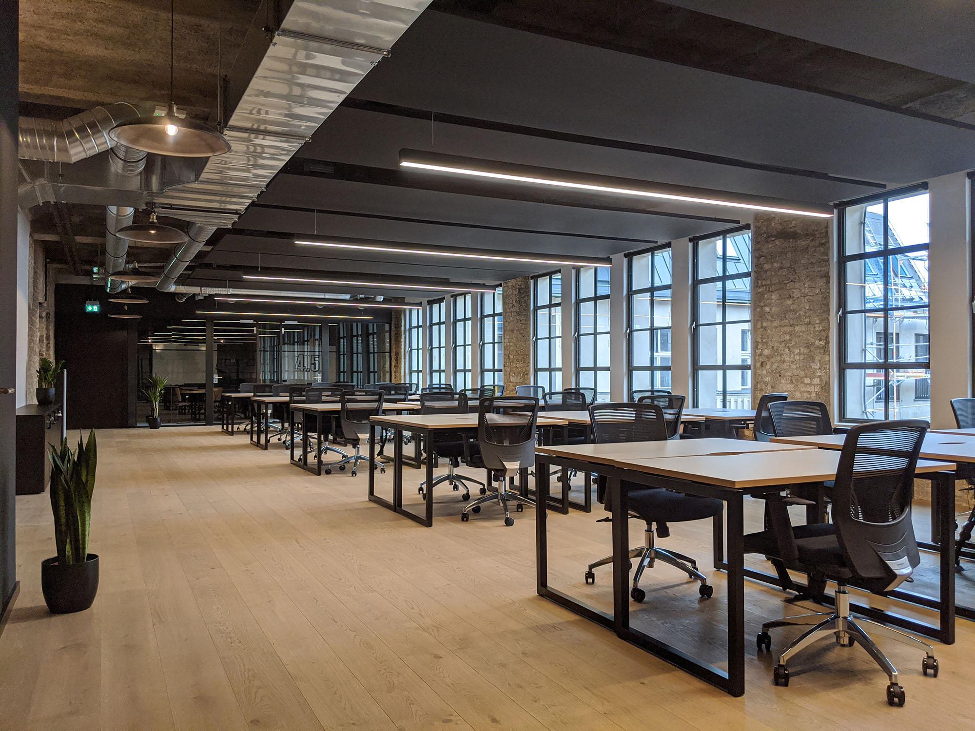 66 person workspace