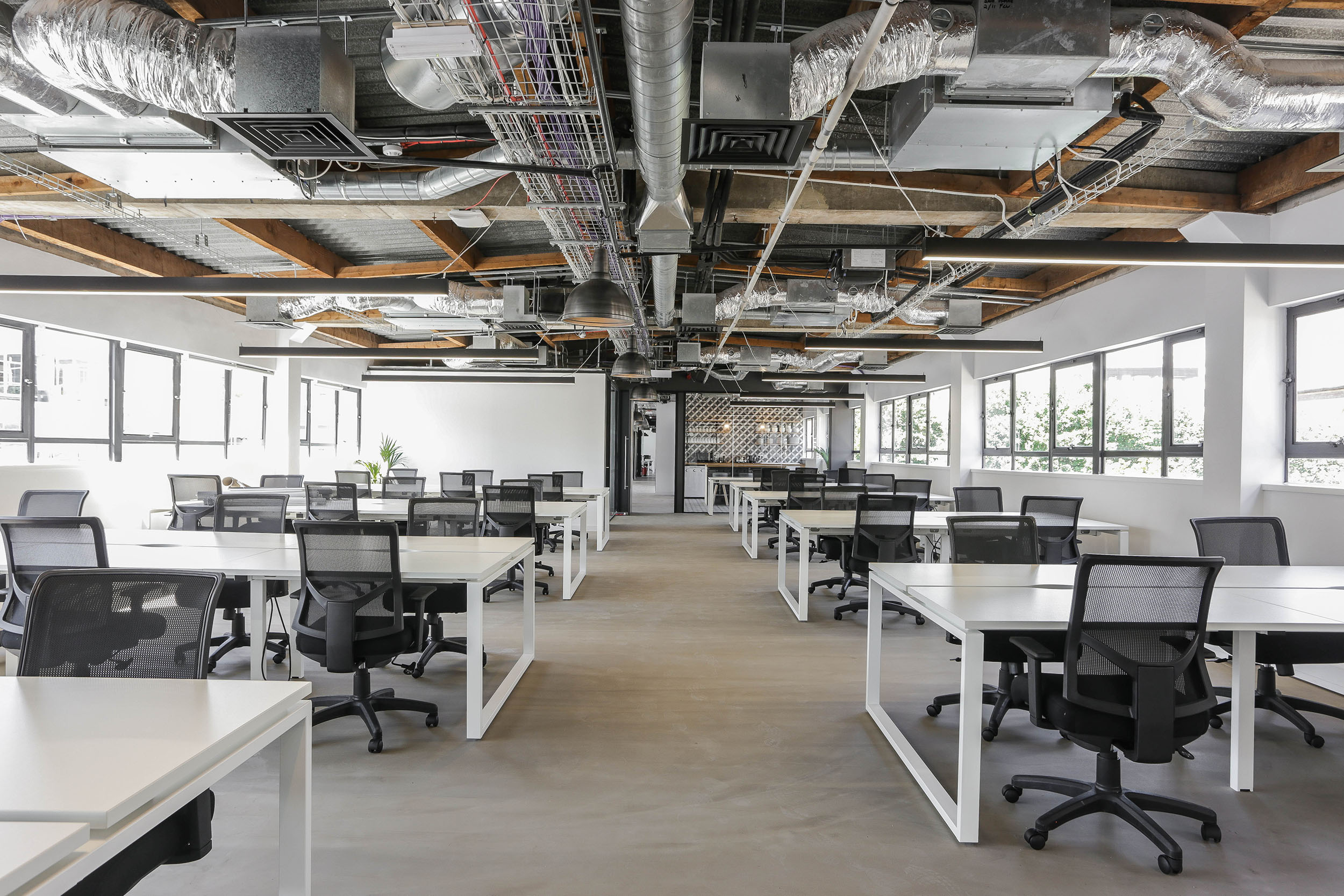 100 person workspace