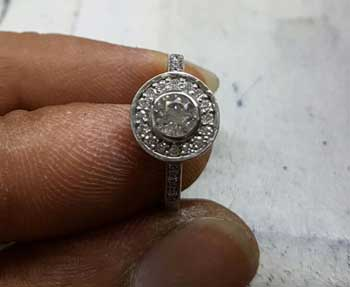 enagement ring remodelling upcycling use gold in new engagement ring, use platinum in new engagement ring