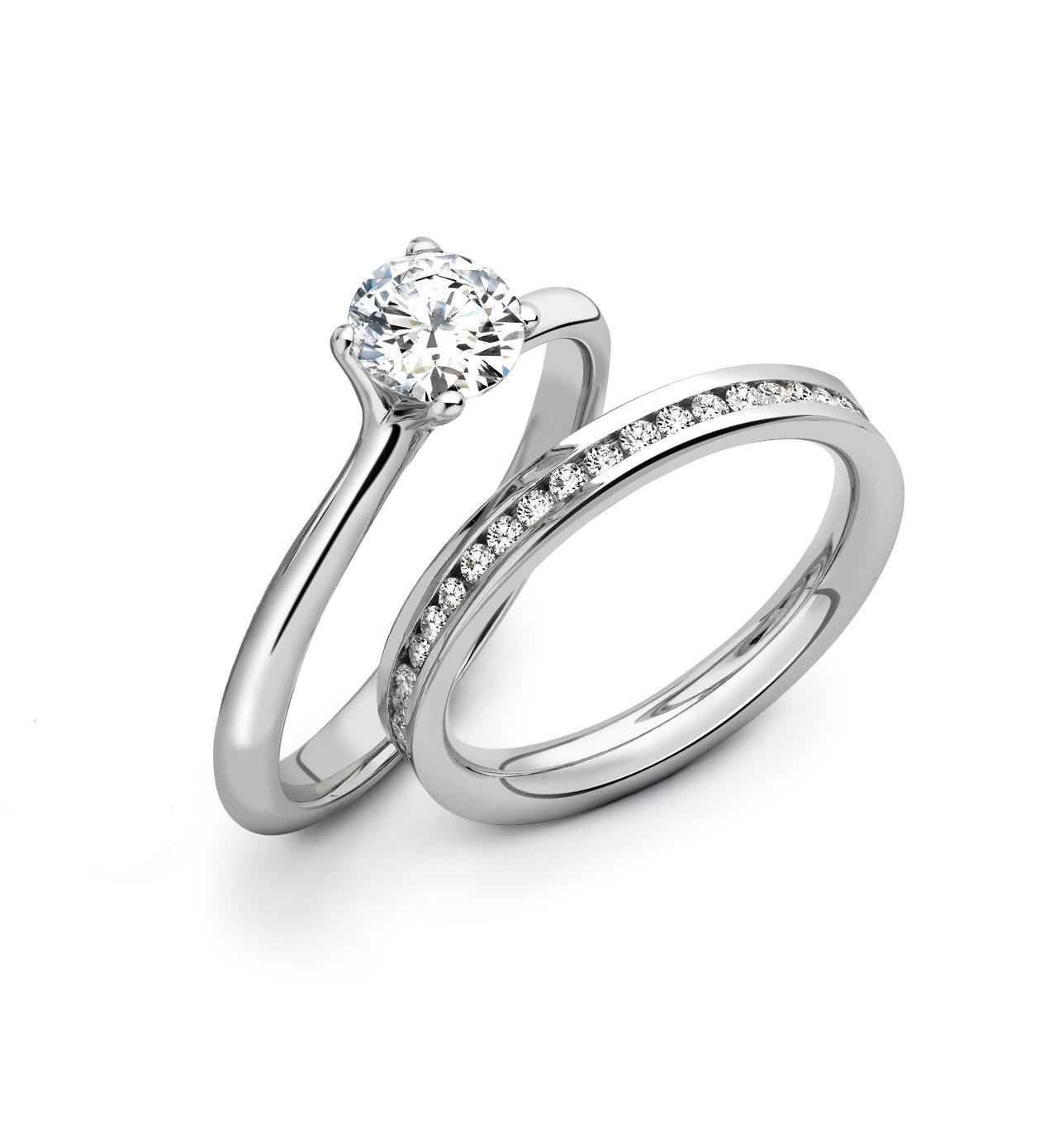 The Bette engagement ring is a sohisticated option for short fingers.
