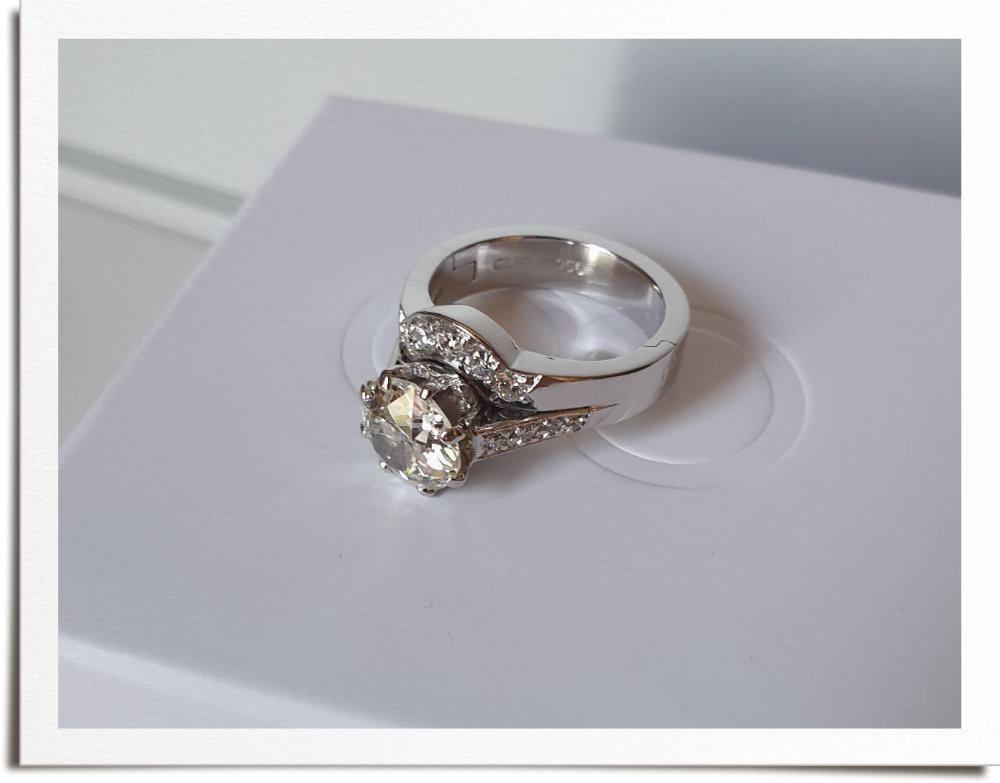 Finished hinged wedding and engagement ring