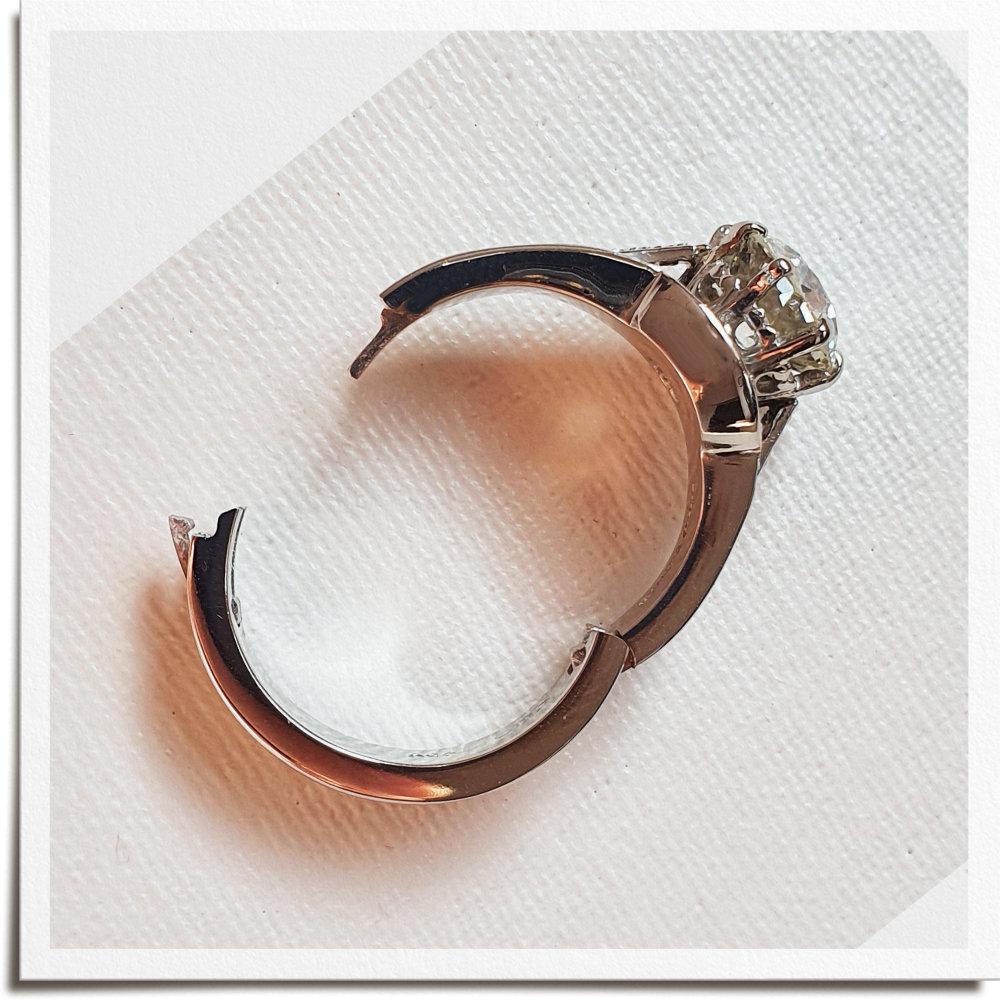 Original Wedding & Engagement Ring setting with CliQ shank showing open hinge.