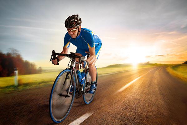 senior-cyclist