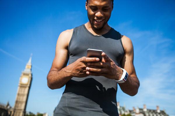 athlete-on-mobile-outside