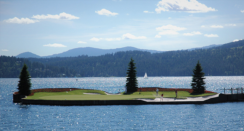 Image of the floating green at the Coeur d' Alene golf course in Idaho