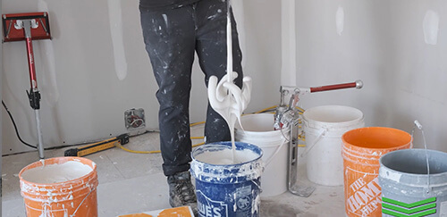 level5 tools mud mixer in action with some joint compound