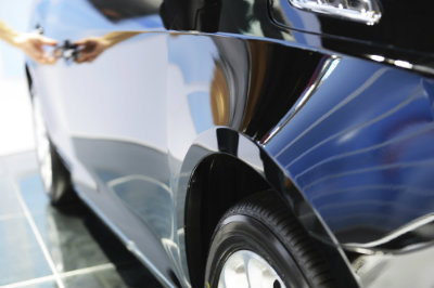 How-to-Wash-and-Dry-Your-Car-Without-Scratching-the-Paint