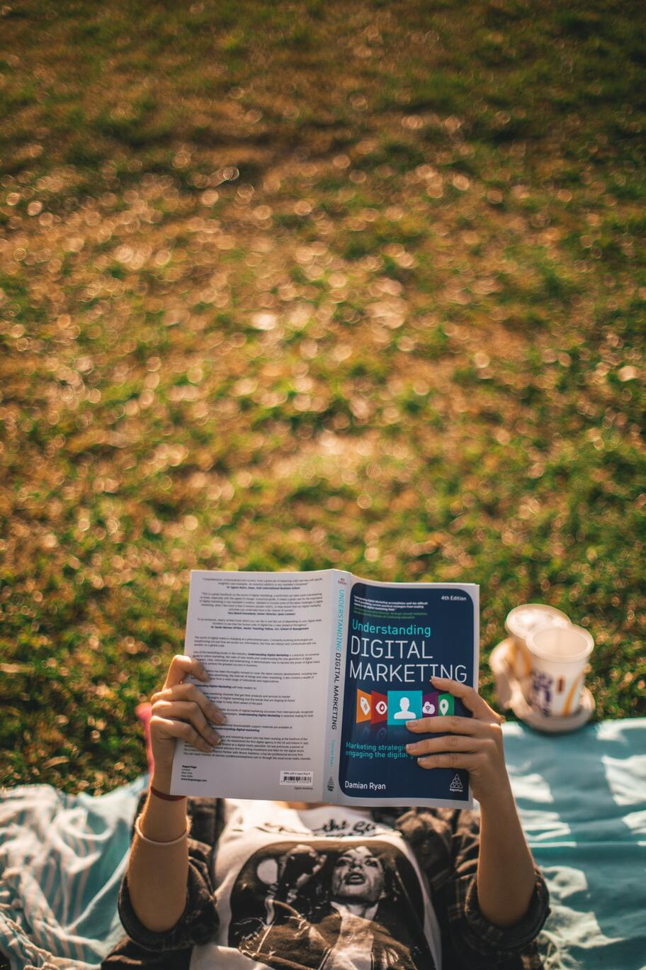 reading a digital marketing book to get started freelancing