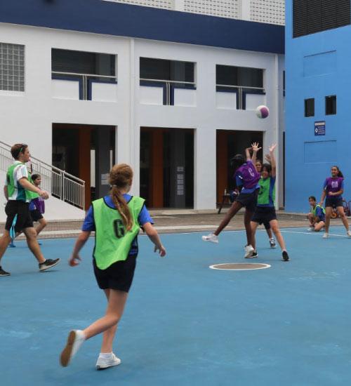 classmates-playing-handball