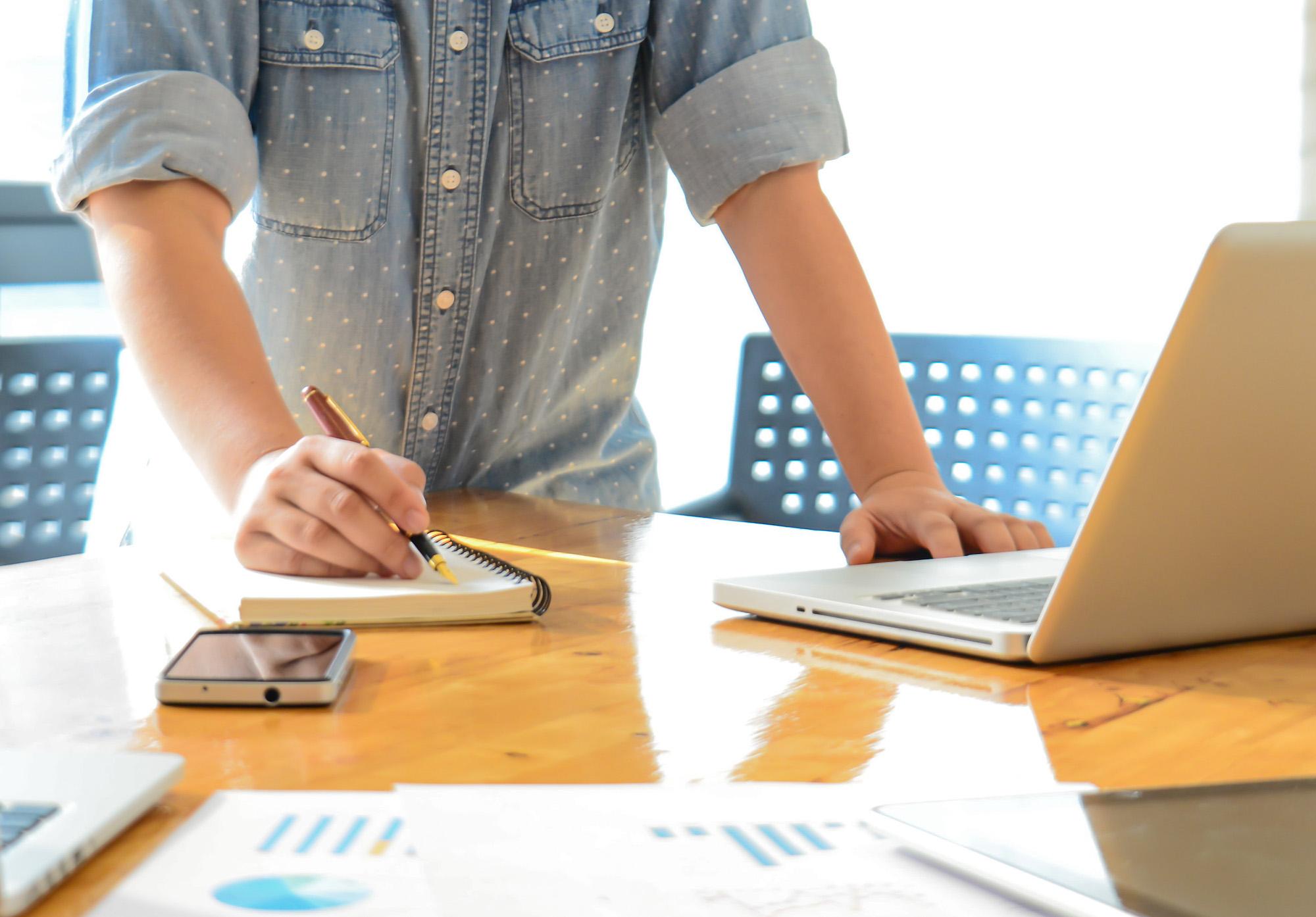 CSAT vs NPS - Choosing the right metrics to measure customer experience