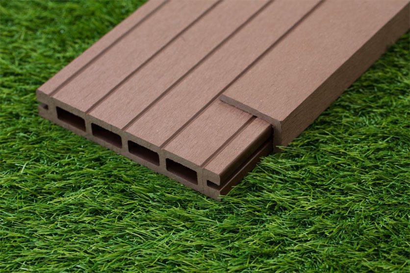 Luxury Brown Reversible Composite Wood Decking Kit 2.9m Boards (Price per sqm/£25 per board)