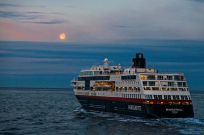 Hurtigruten MS Midnatsol
