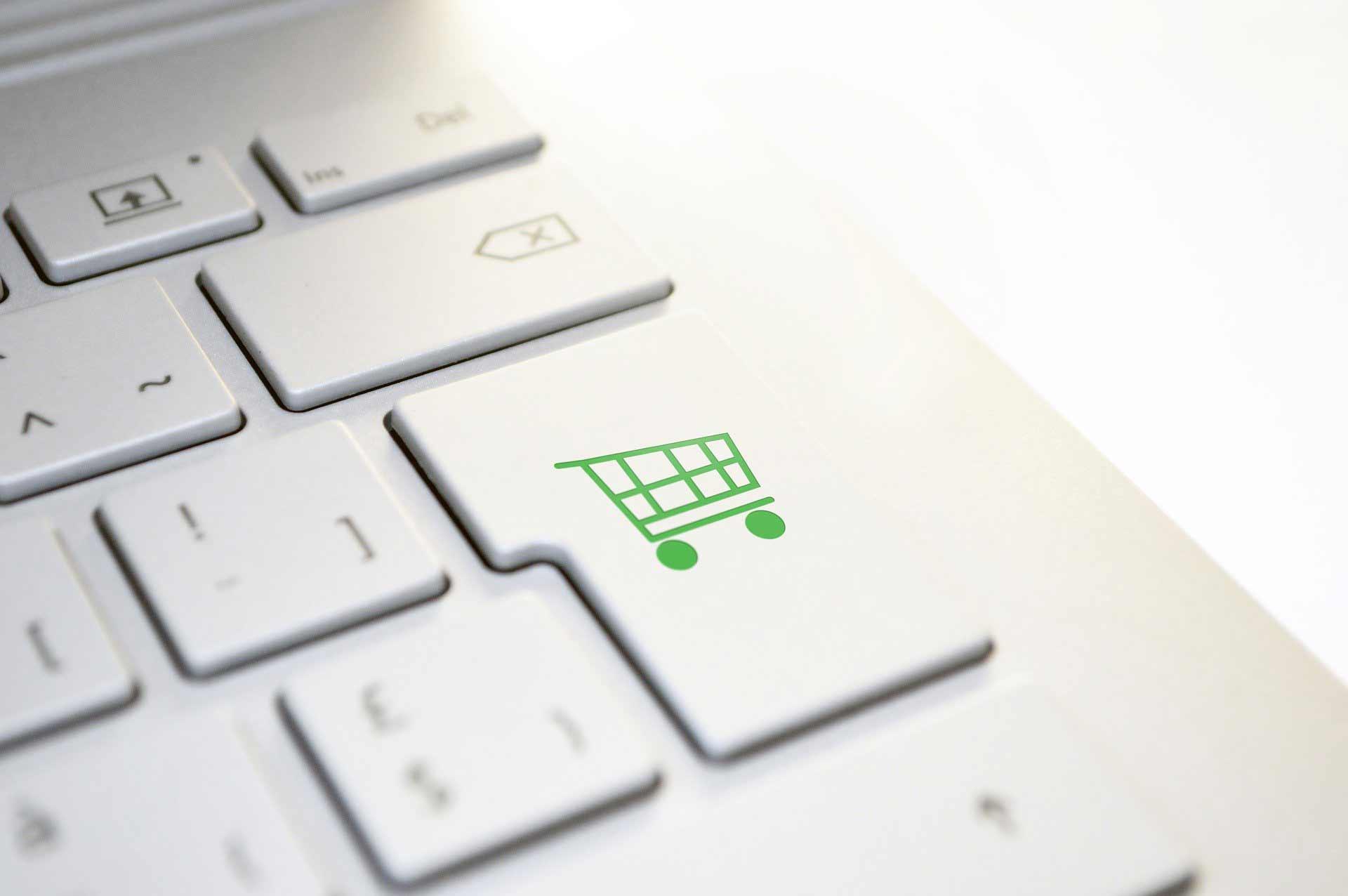 Shopify vs. WooCommerce – Welches Shopsystem passt zu mir?