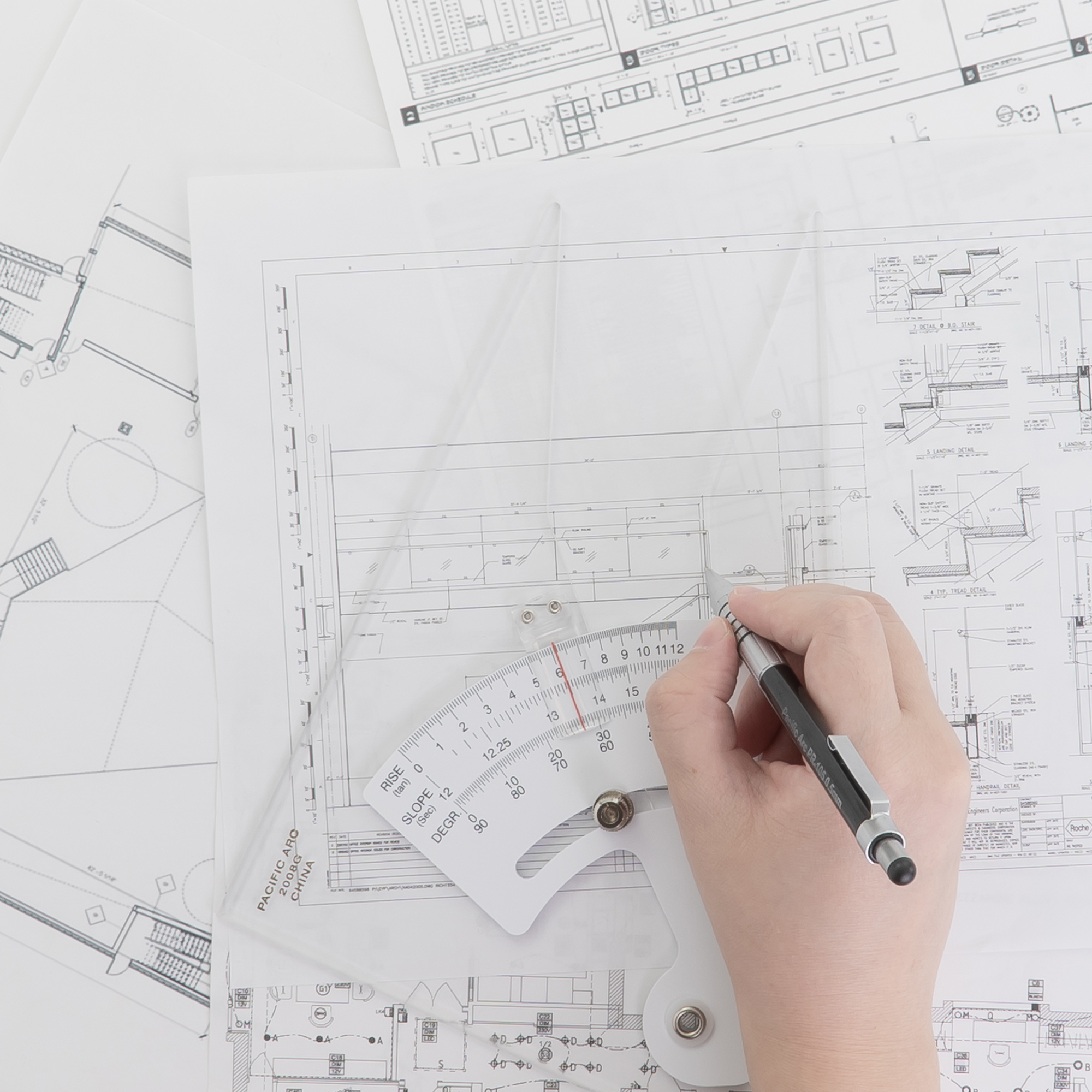 The best drafting triangles for architecture, engineering and design or art. The best triangles for art and design.