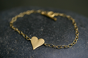 22K Recycled Gold Heart Bracelet, link, flex, friendship