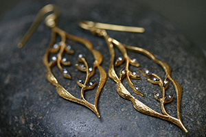22K Recycled Gold Etched Scalloped Framed Vine Earrings with Ethically Sourced Diamonds, blackened, yellow, leaf, leaves