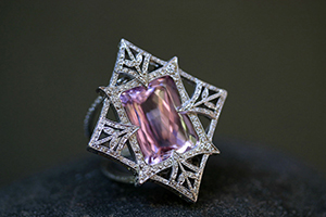 Recycled Platinum Wheat Side Ring with Ethically Sourced Kunzite and Diamonds, colored stone, cut out, thorn, leaves, leaf