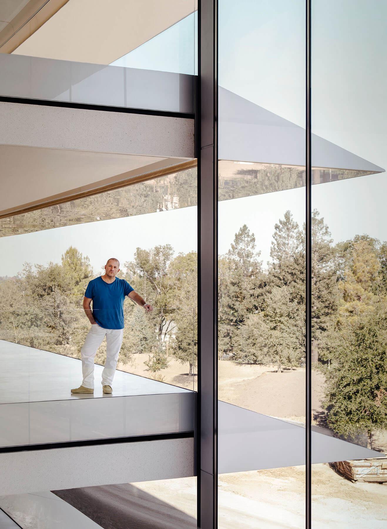 Jony Ive Apple HQ