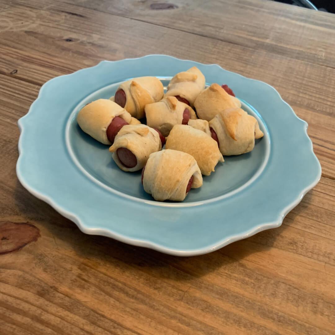mini hot dog rolls (pigs in a blanket)