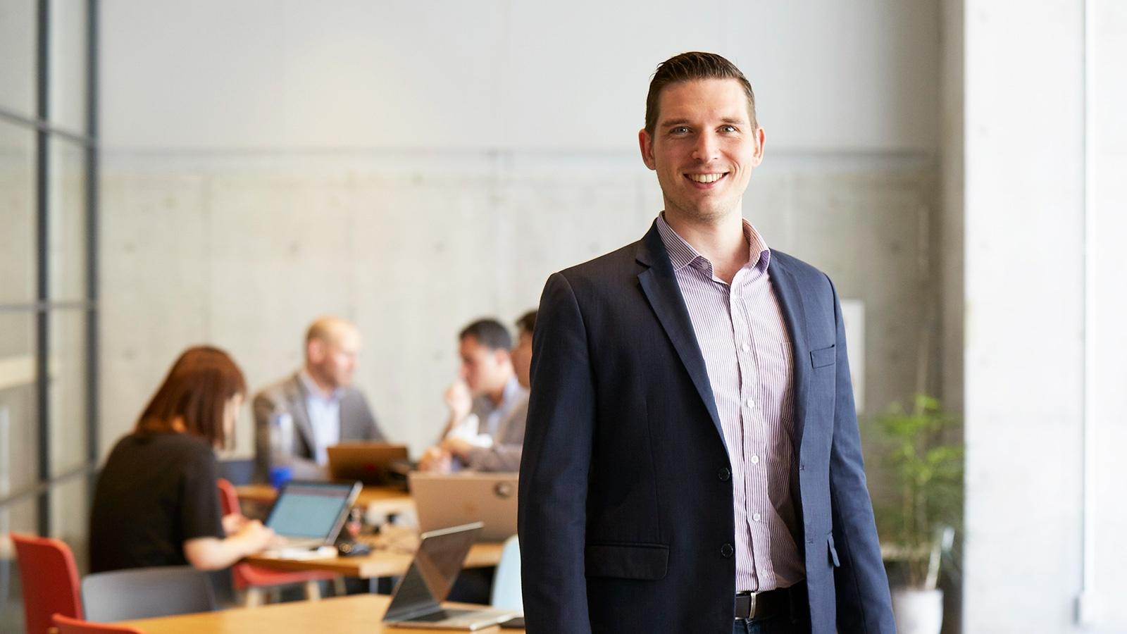 Mark's MIC : 銀行とお客さまの新たな接点、オープンAPI が描く金融アプリの世界