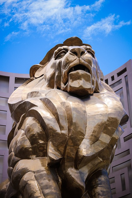 mgm grand bronze lion