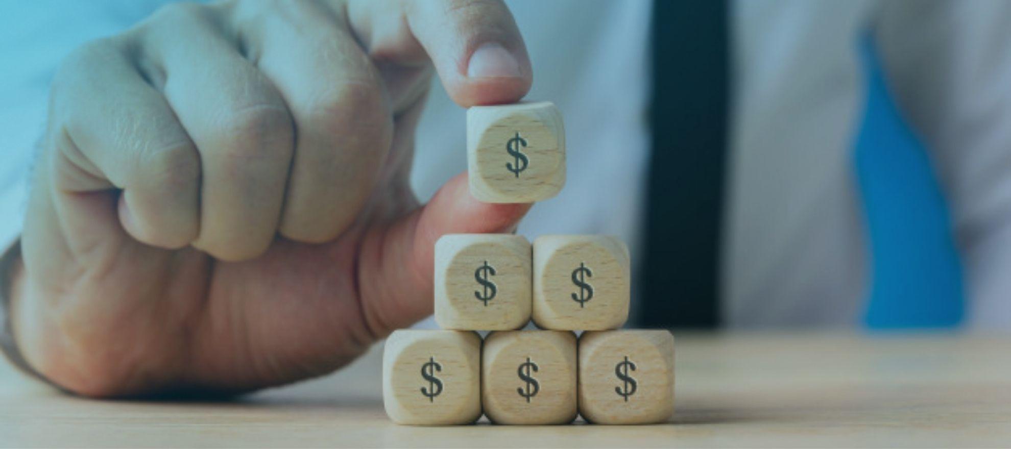 Pirâmide financeira: Como identificar e evitar os esquemas
