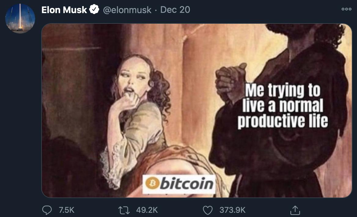Elon Musk tuítando sobre Bitcoin