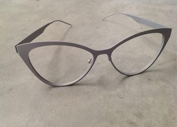 Smalto Termosensibile su Occhiali a 35°C.