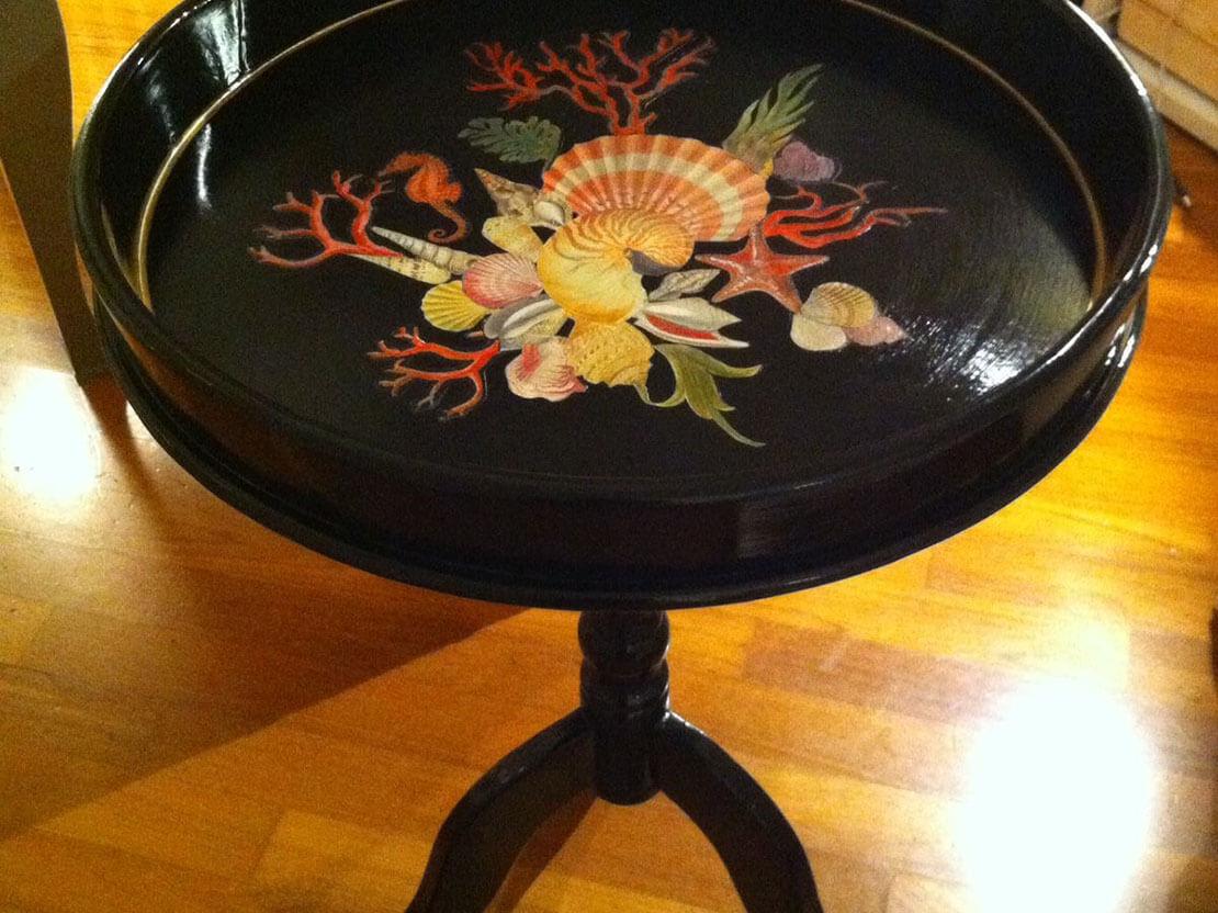 Smalto Lacca Cinese su Tavolino.