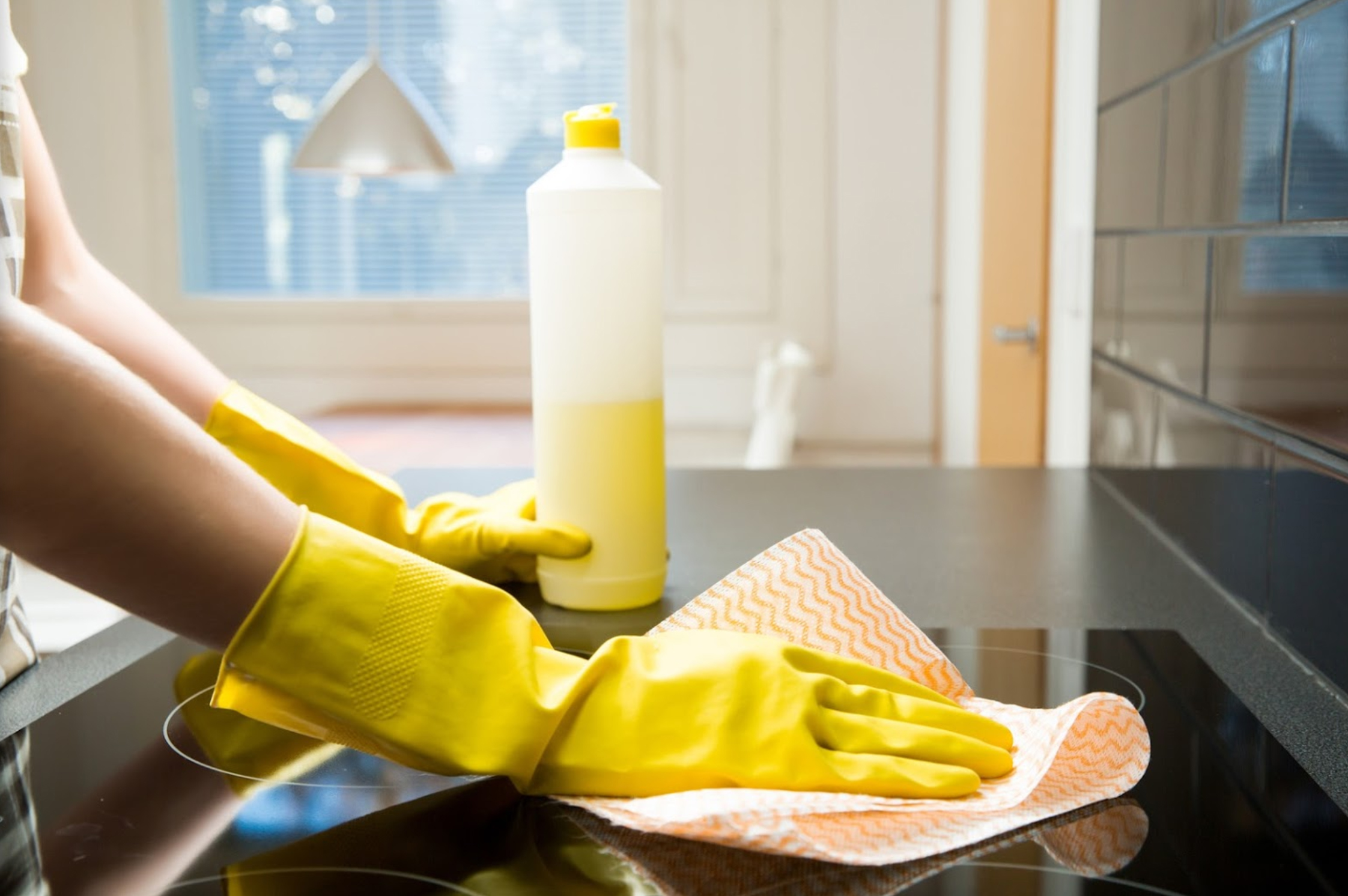 We'll give you an hour of trial cleaning in your own four walls