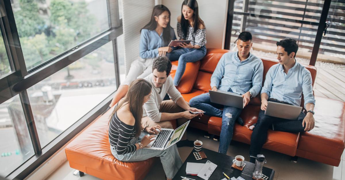 millennials group chatting