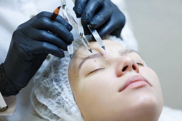 Eyebrow Transplant for women