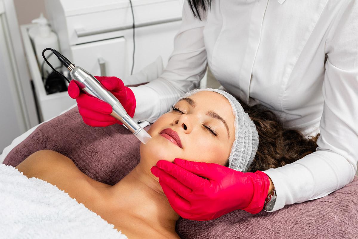 Scarlet microneedling treatment