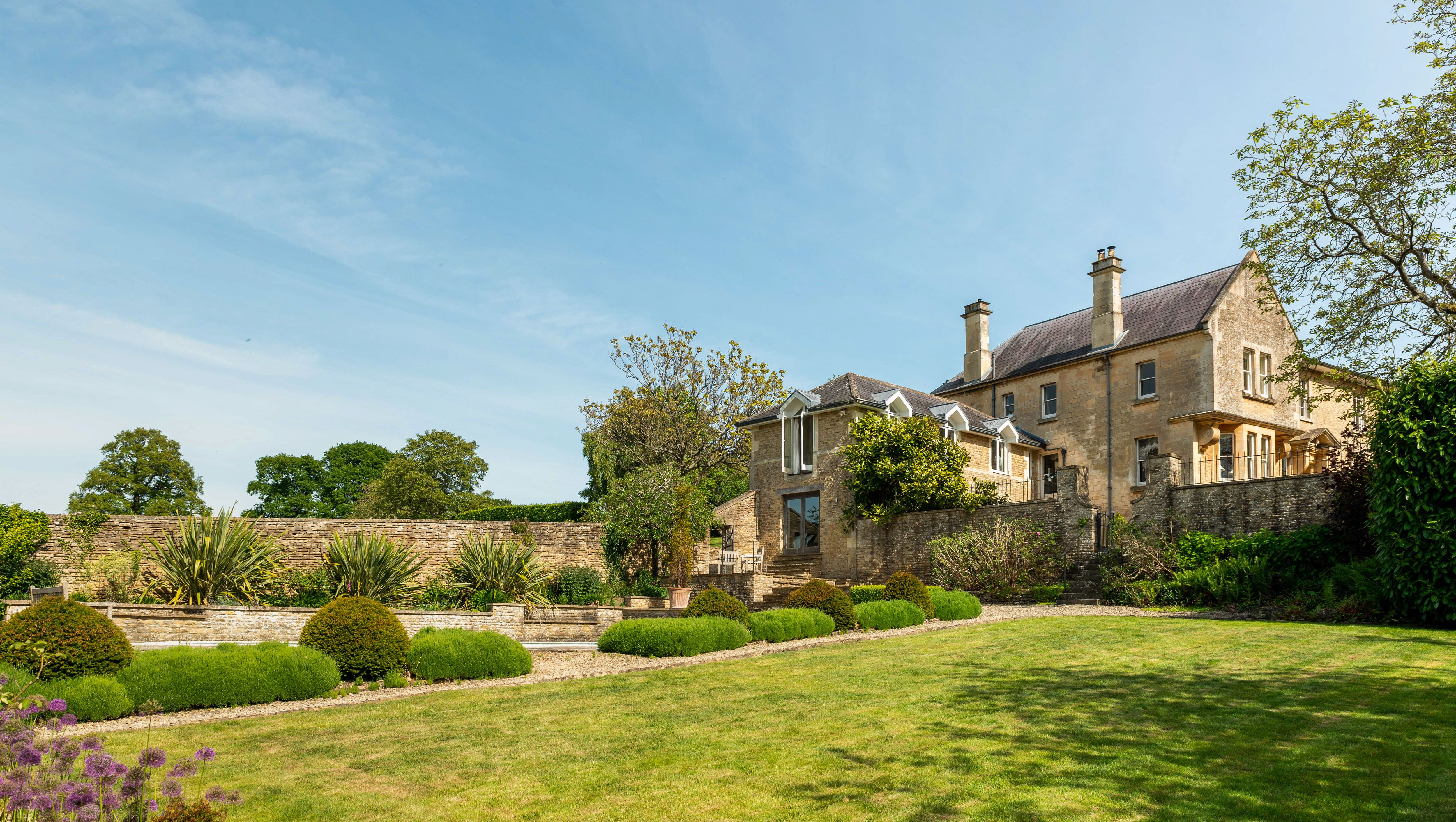 The Country House Department is an estate agent with expertise in rural homes around Oxford