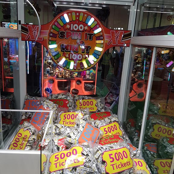 with 5000 tickets bags (different prizes possible)