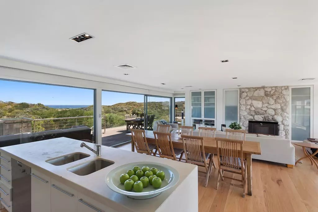 View Spacious Livingroom