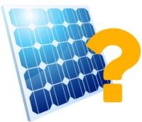 Ein blaues Solarmodul neben gelbem Fragezeichen