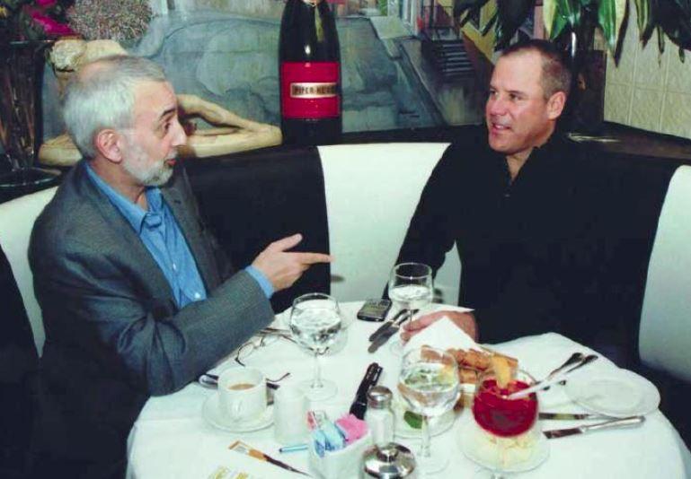 Author Robert Bidinotto interviewing Vince Flynn | Photo: Brian Killigrew