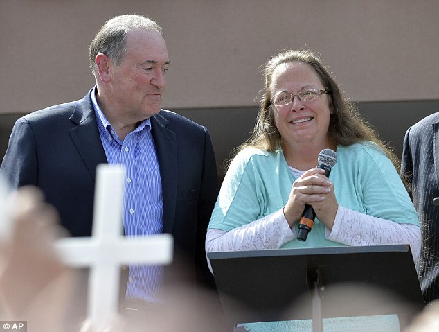 kim davis mike huckabee gop civil war 2016 election new hampshire