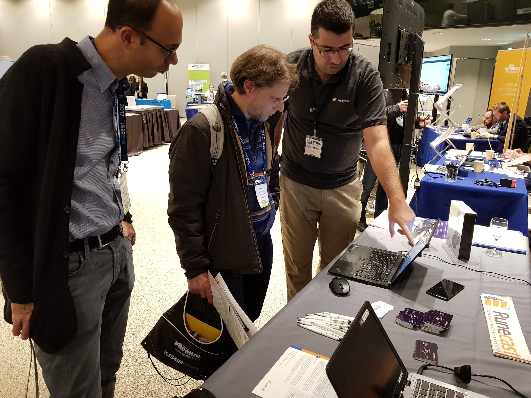 Stanimir giving a demo to one of the attendees.