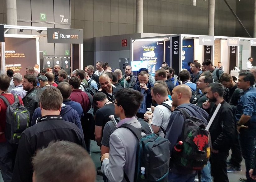 Crowded Runecast booth at VMworld Europe 2018