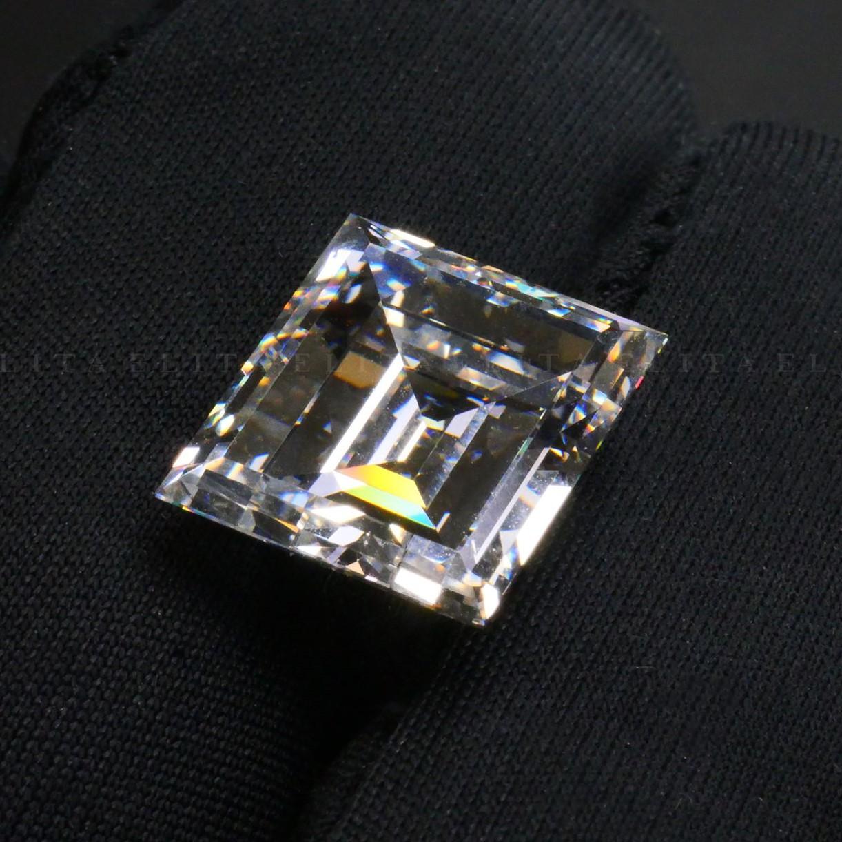 10.03 VVS1 Carré Princess Cut Diamond