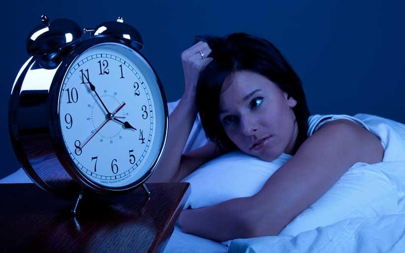 Como bajar el insomnio y propiciar el sueño: 3 tips