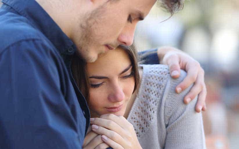 Ataque de pánico: aprende a tratar y ayudar a tu amigo, pareja, familiar