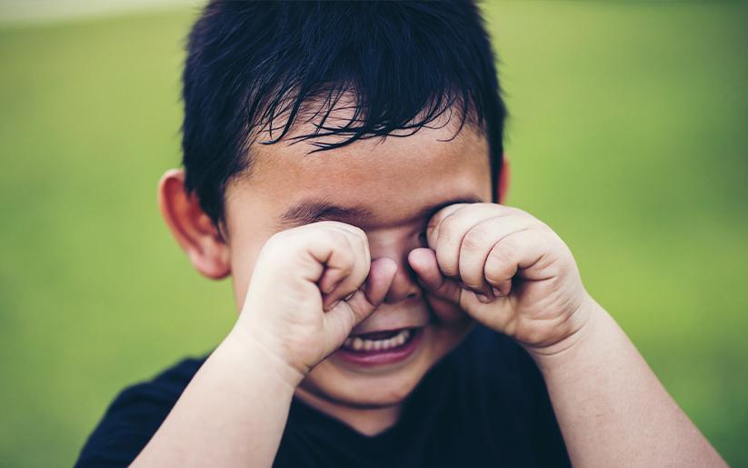 10 pasos para ayudarle a tu hijo con sus berrinches