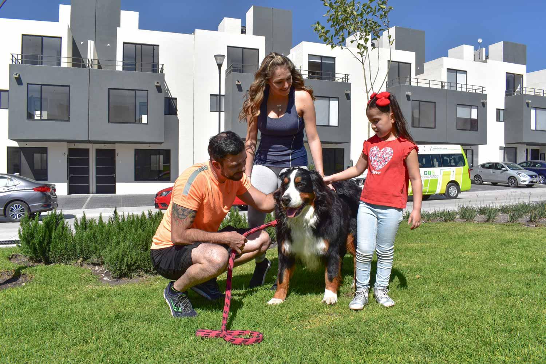 Patios y áreas verdes para los niños y para fines de semana en familia en Adara Querétaro